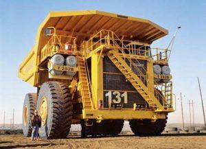 الشاحنة العملاقة